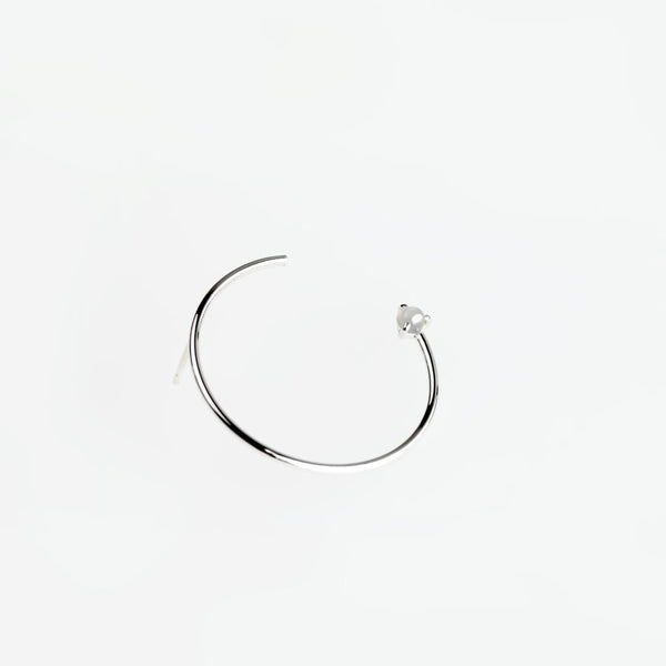 CIRCLE MOONSTONE SILVER EARRING