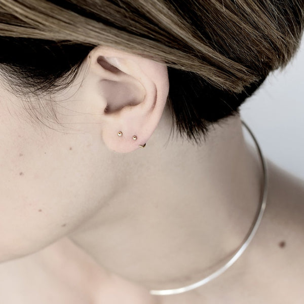 ESSENTIAL DOT GOLD STUD EARRING - MIRTA jewelry