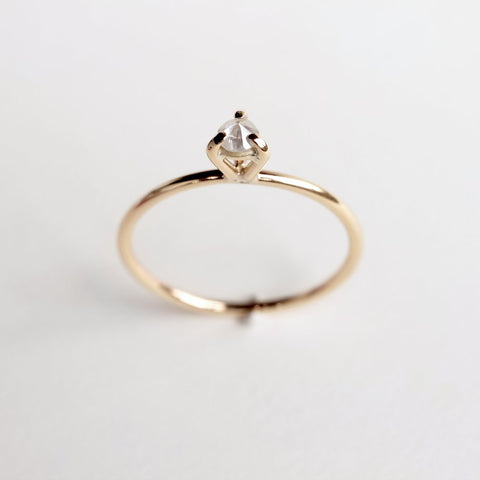 GOLD EYE 02 DIAMOND RING