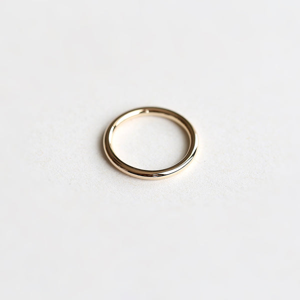 ESSENTIAL THICK GOLD BAND