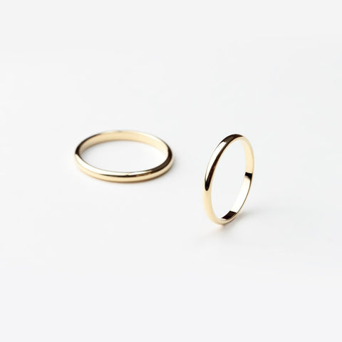 ESSENTIAL GOLD HALF ROUND BAND