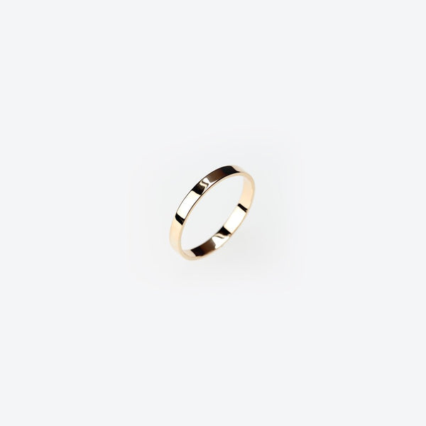 ESSENTIAL GOLD FLAT BAND RING