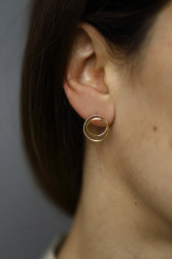 GOLD ORBIT EARRING