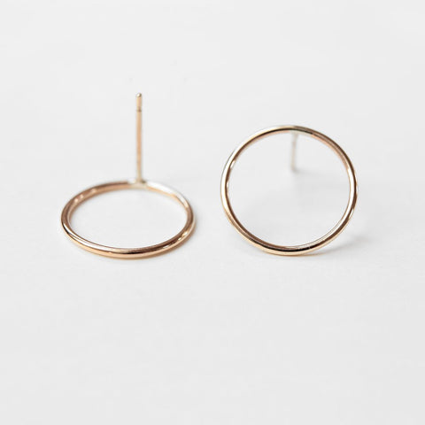GOLD CIRCLES EARRINGS