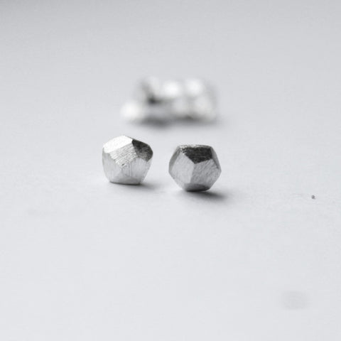 SILVER ROCKS EARRINGS