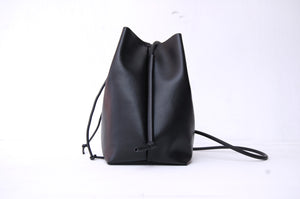 Minimalist Bucket bag eco friendly, made in Berlin