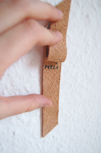 Minimal leather key chain made in Berlin Melì