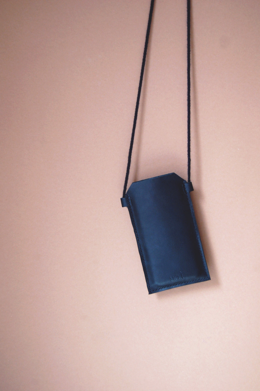 Minimal black leather smartphone crossbody case cover Melì