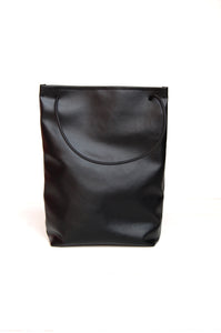 Minimal shopper bag in faux leather made by Melì