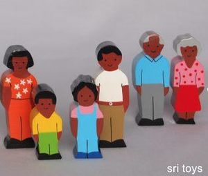 Sri Toys - Wooden Family African 6 piece