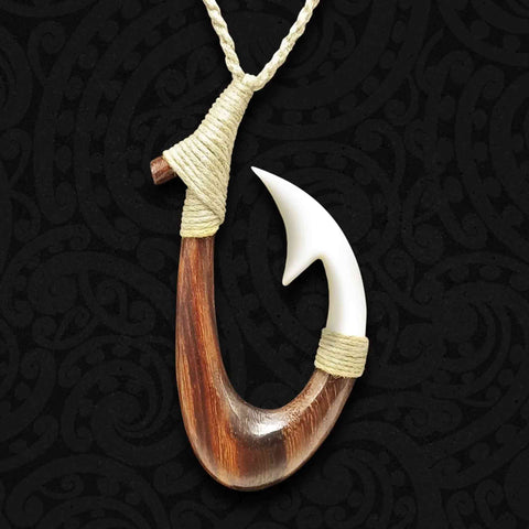 Hei Matau Bone Carving Necklace 02