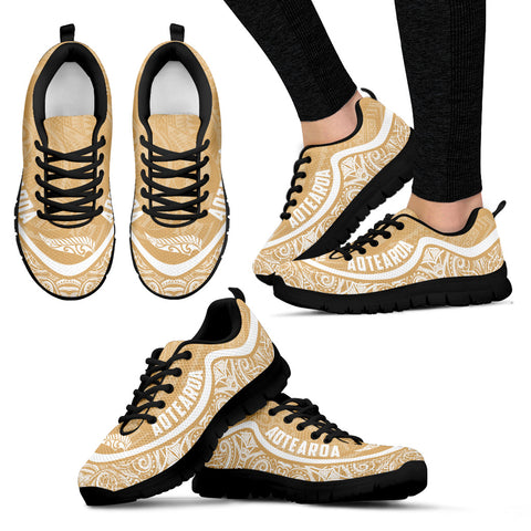 Aotearoa Wave Sneakers - White Gold Color Maori Pattern TH0