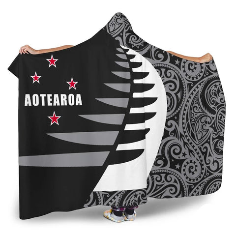Image of Aotearoa Silver Fern Hooded Blanket Sailing Style K4