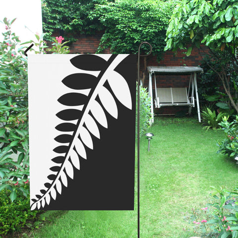 Fern New Zealand Flag Black and White K4 - 1st New Zealand