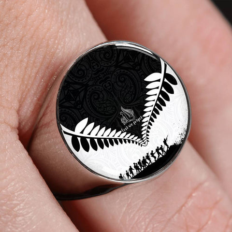 New Zealand Lest We Forget Ring Black White K4 - 1st New Zealand