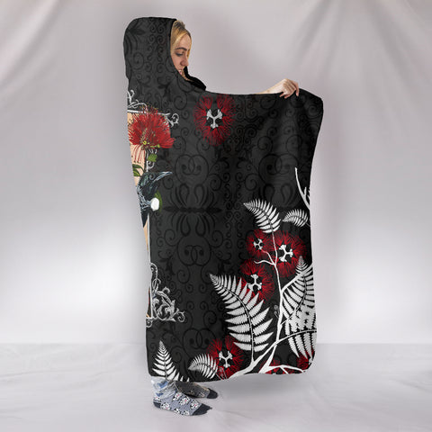 Image of Pohutukawa with Tui Bird Black Hooded Blanket New Zealand K5