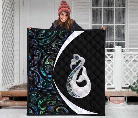 New Zealand Maori Manaia Paua Shell Premium Quilt - Circle Style J95 - 1st New Zealand