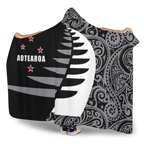 Image of Aotearoa Silver Fern Hooded Blanket Sailing Style K4 - 1st New Zealand