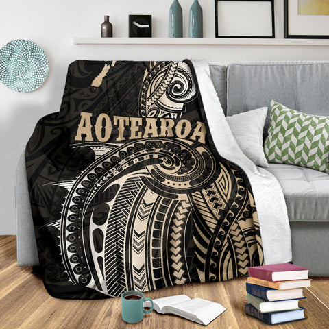 Maori Tattoo with Map New Zealand Premium Blanket K4 - 1st New Zealand