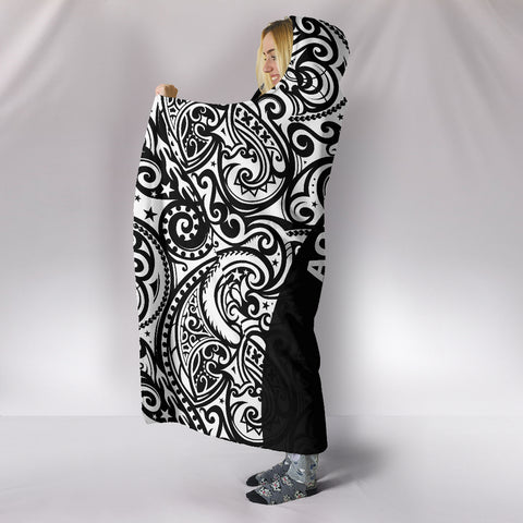 Aotearoa Maori with Map and Silver Fern Hooded Blanket TH05