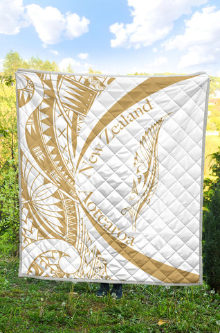 Image of New Zealand Silver Fern Premium Quilt Maori Tattoo Circle Style - White J95