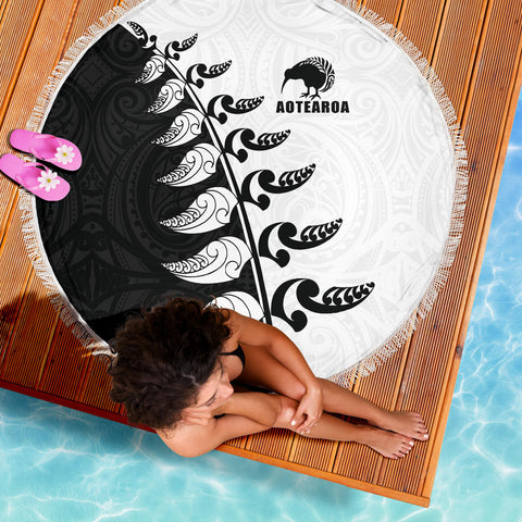 Beach Blanket NZ Aotearoa Silver Fern Koru Style Black White K4 - 1st New Zealand