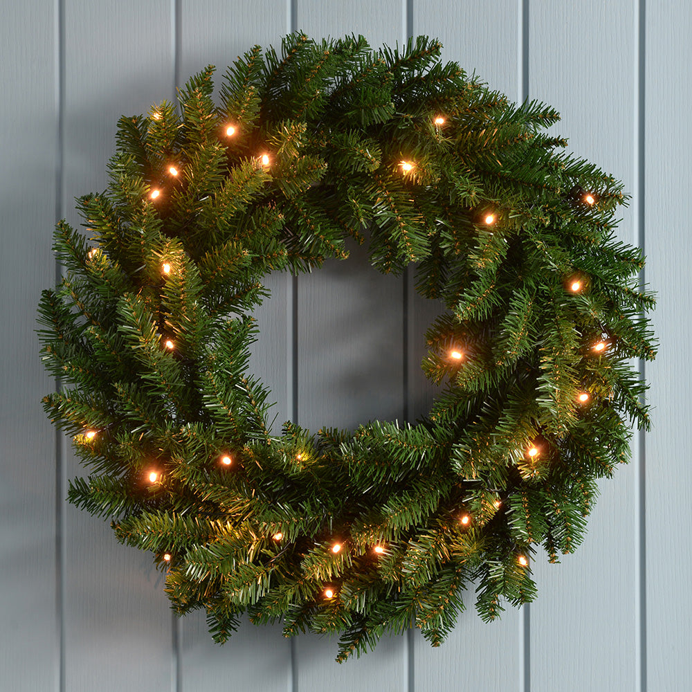 Timberland Spruce Pre-Lit Wreath Christmas Decoration Illuminated with 20 Warm White LED Lights