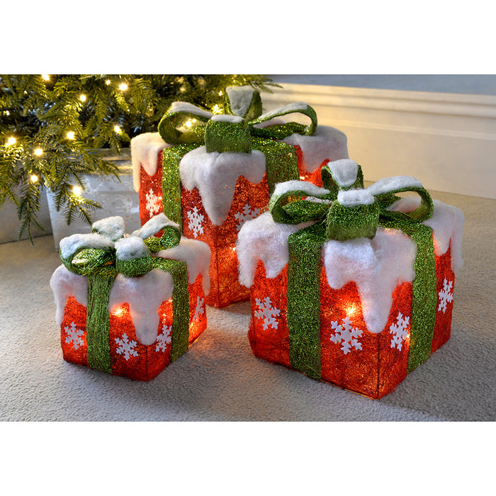 Christmas Presents.Pre Lit Led Christmas Presents With Green Ribbon And Snow 15 Cm 20 Cm 26 Cm Set Of 3