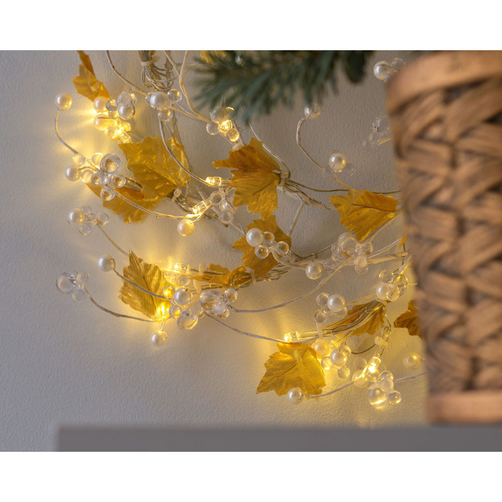 Pre-Lit Decorated Beaded Wreath, White & Gold, 45 cm