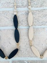 Load image into Gallery viewer, Wooden Bead Necklace