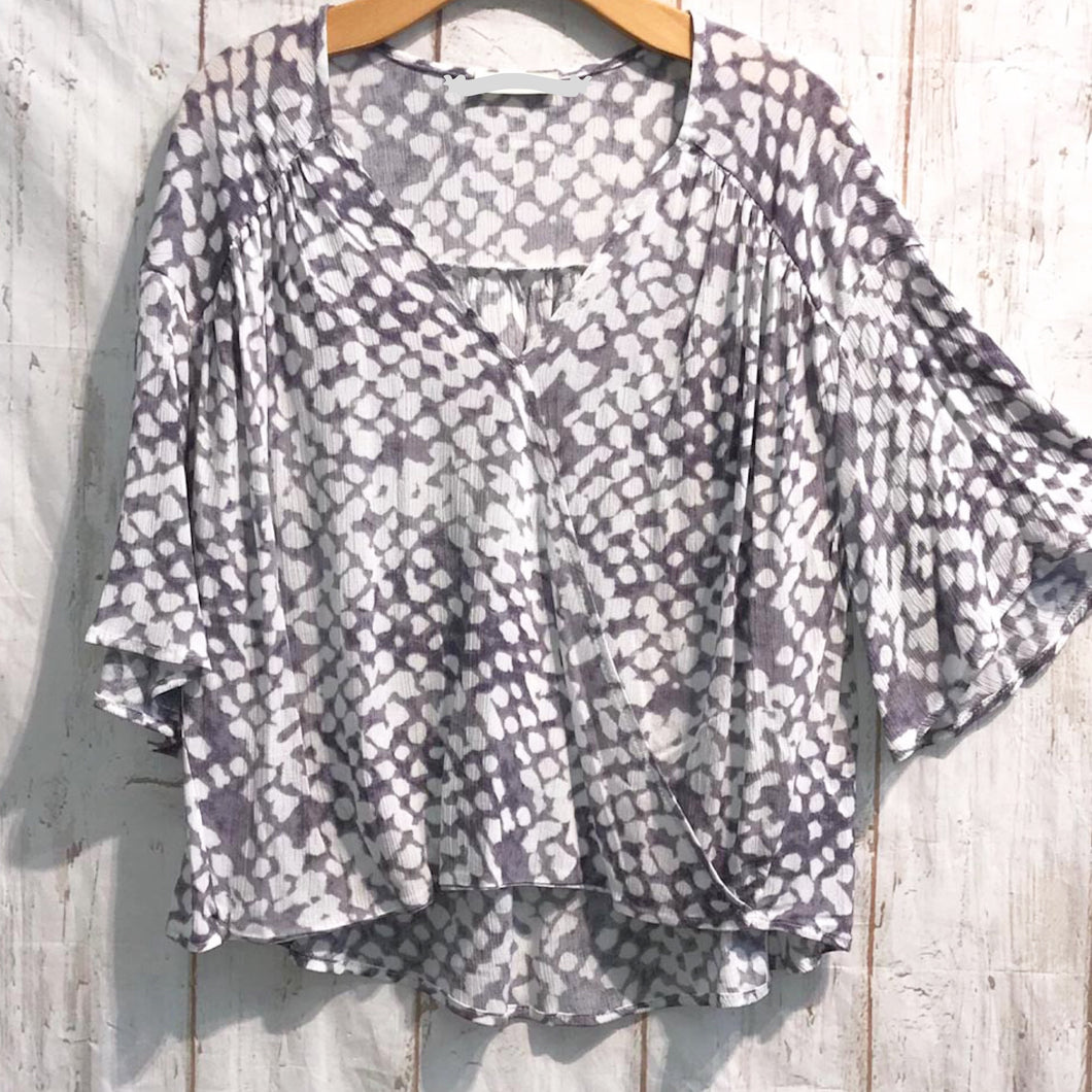 Cloudy Days top