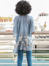Load image into Gallery viewer, Chambray Blue Daisy Kimono