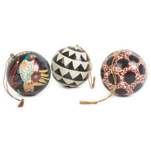 Set of three decorative baubles: Matryoshka