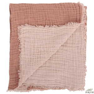 Waffled linen bedcover in nude colour