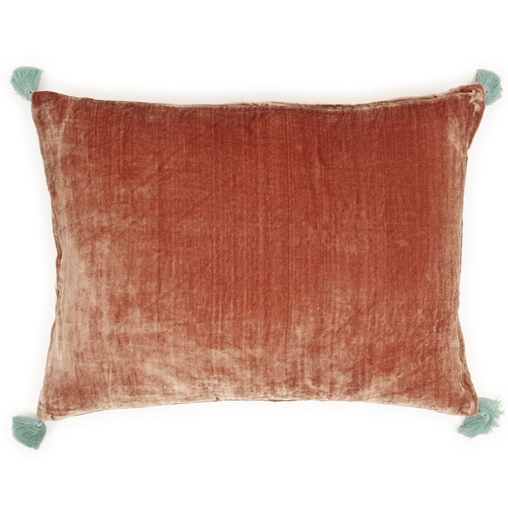 Coussin Goa pompons taupe - Le Monde Sauvage