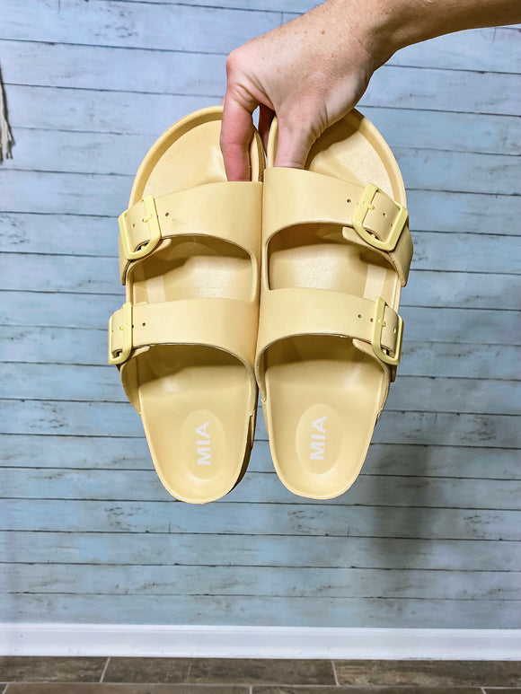 Take A Stroll Sandal - Lemon