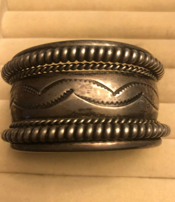 VINTAGE STERLING SILVER TAHE CUFF