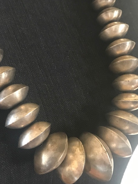 EXTRA LARGE NAVAJO PEARLS