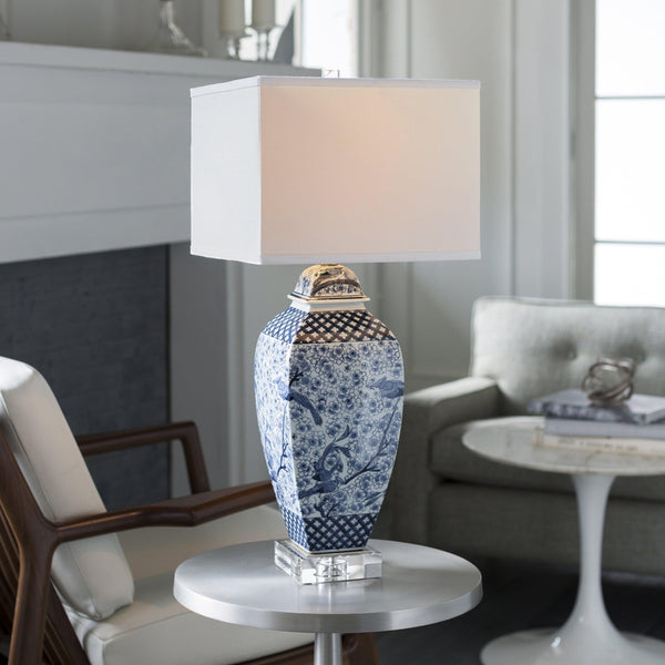 Roskovec Traditional Table Lamp