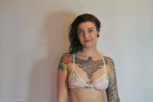SALE- White Lace Embroidered Bra - Origami Customs