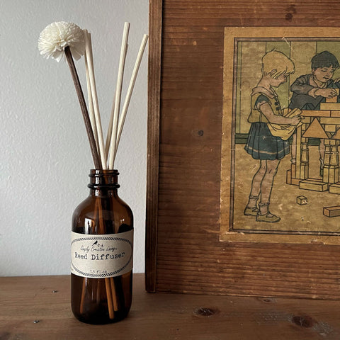 Reed diffuser: 2 oz with flower, natural reeds