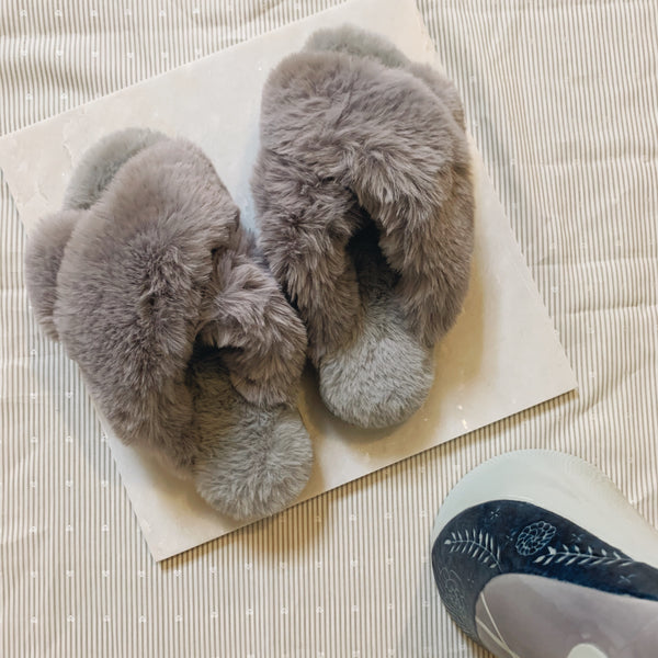 fluffy furry crossband slippers