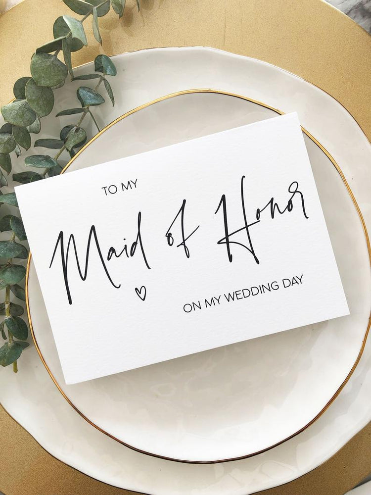 These modern 'To My Maid of Honor On My Wedding Day' cards are the perfect way to thank your girlfriends for standing by your side as you walk down the aisle.