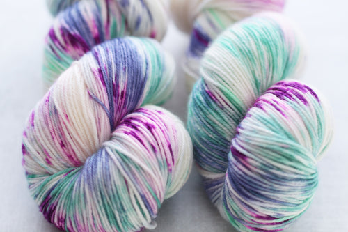 FORGOTTEN ISLES | stellar sock | speckled yarn