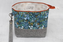 Load image into Gallery viewer, TWIGGY PETITE No. 2 | ready to ship -  medium-sized project bag, fabric yarn bowl, knitting bag, or makeup bag