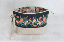 Load image into Gallery viewer, TWIGGY PETITE No. 3 | ready to ship -  medium-sized project bag, fabric yarn bowl, knitting bag, or makeup bag