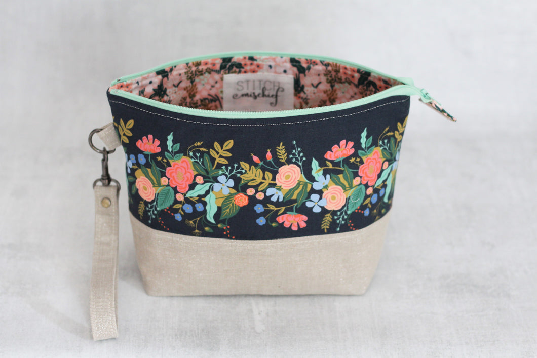 TWIGGY PETITE No. 3 | ready to ship -  medium-sized project bag, fabric yarn bowl, knitting bag, or makeup bag