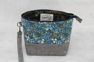TWIGGY PETITE No. 6 | ready to ship -  medium-sized project bag, fabric yarn bowl, knitting bag, or makeup bag