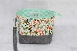 TWIGGY PETITE No. 7 | ready to ship -  medium-sized project bag, fabric yarn bowl, knitting bag, or makeup bag