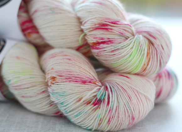 WHISPER | silky singles | speckled yarn